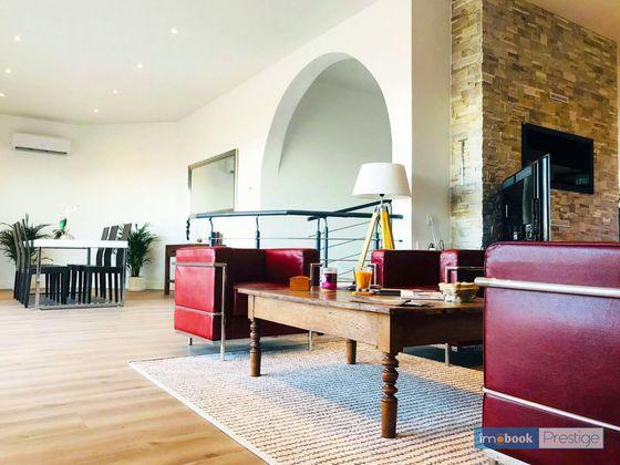 Vente maison 6 pièces 243 m2