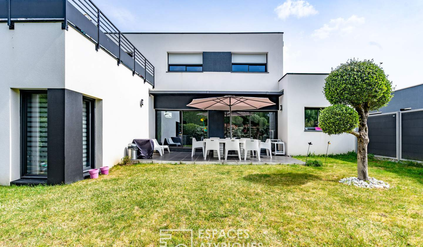 House with terrace Vertou