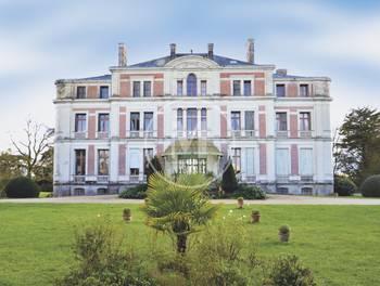 Château 30 pièces 1400 m2