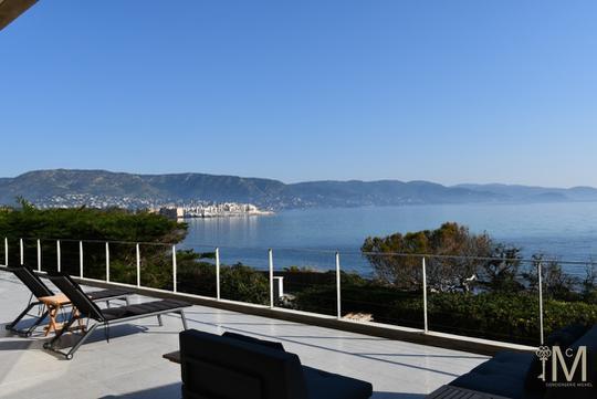 Seaside villa and garden
