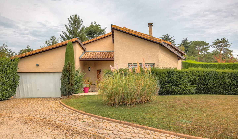 Villa avec piscine et terrasse Montanay