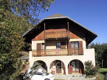 maison à Aiguilles (05)