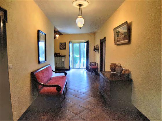 Vente maison 6 pièces 366 m2
