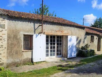 parking à Saint-Philbert-de-Bouaine (85)