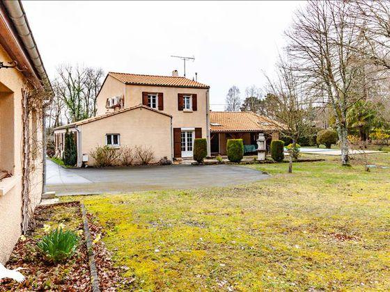 Vente maison 9 pièces 202 m2
