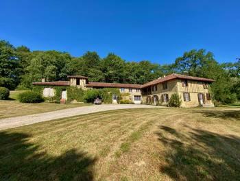 Château 10 pièces 300 m2
