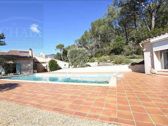 vente Villa 5 pièces 168 m2 Cuges-les-Pins