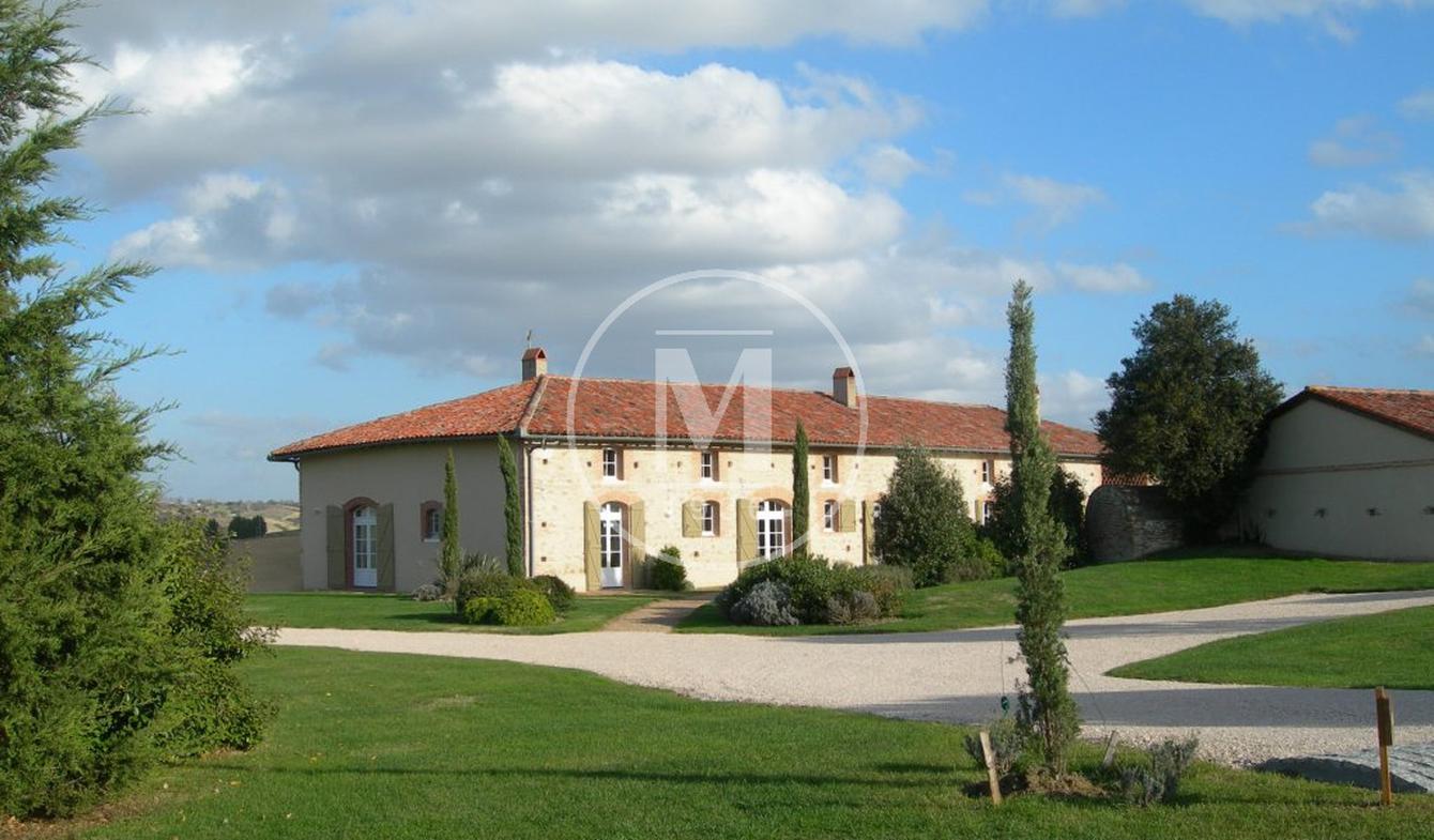 House with pool and terrace Saint-Sulpice-sur-Lèze
