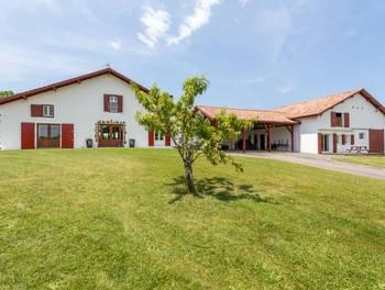 Maison 15 pièces 382 m2