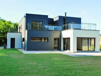 Maison 6 pièces 232 m2