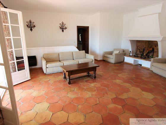 Vente propriété 6 pièces 180 m2