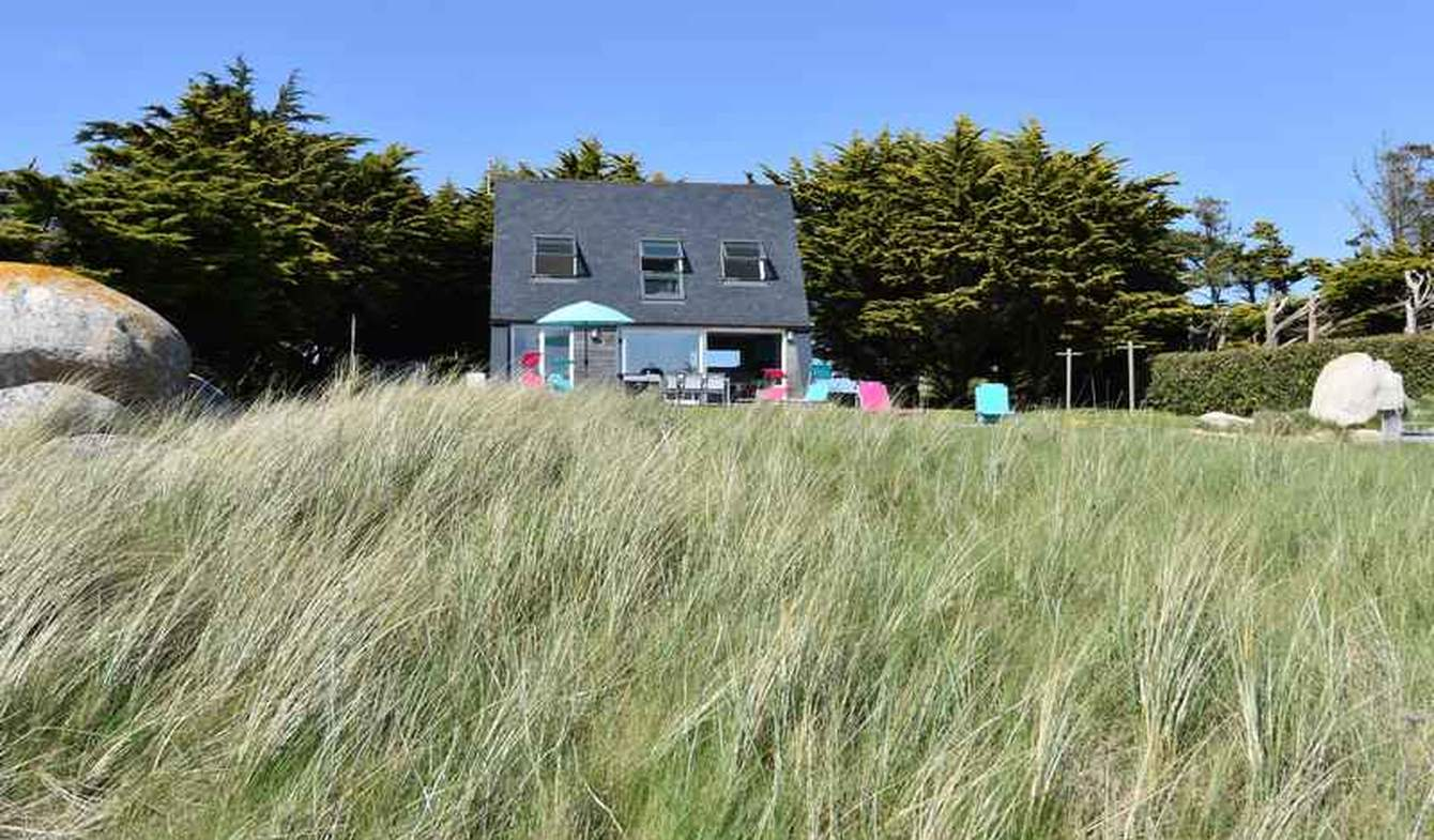 Seaside house and garden Kerlouan