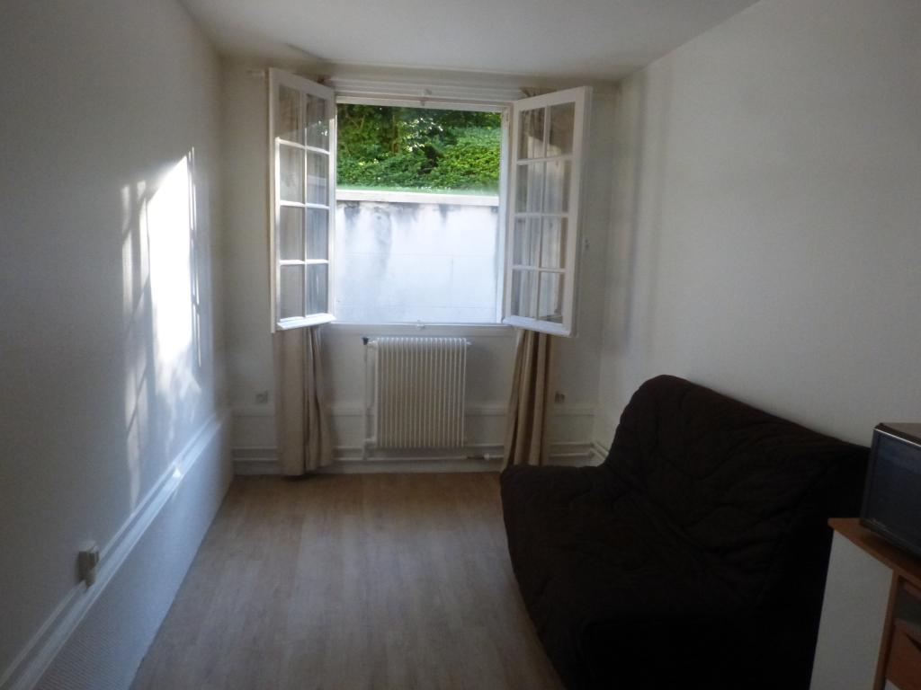 Location Appartement 1 Piece 17 M 500 Versailles 78