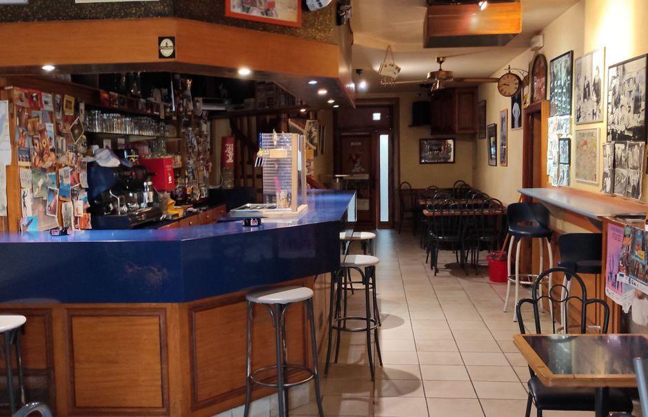 Vente locaux professionnels 2 pièces 150 m² à Carhaix-Plouguer (29270), 147 000 €