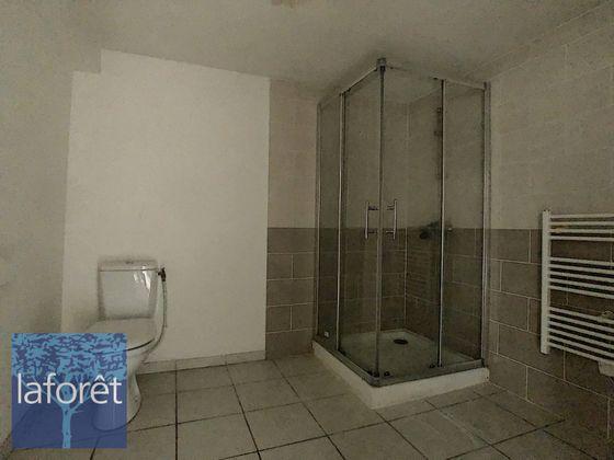 Vente divers 13 pièces 400 m2