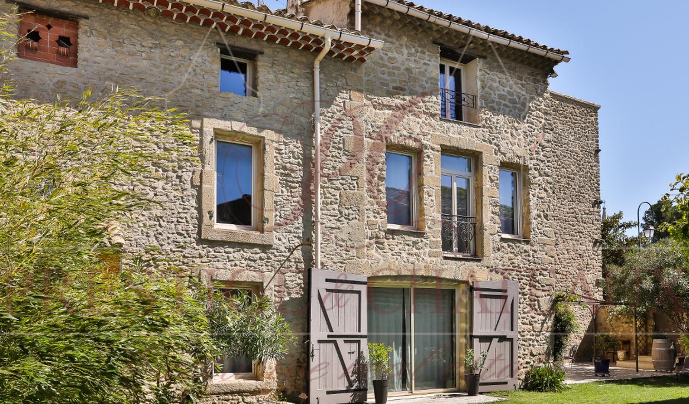 Maison avec piscine et terrasse Sainte-Cécile-les-Vignes