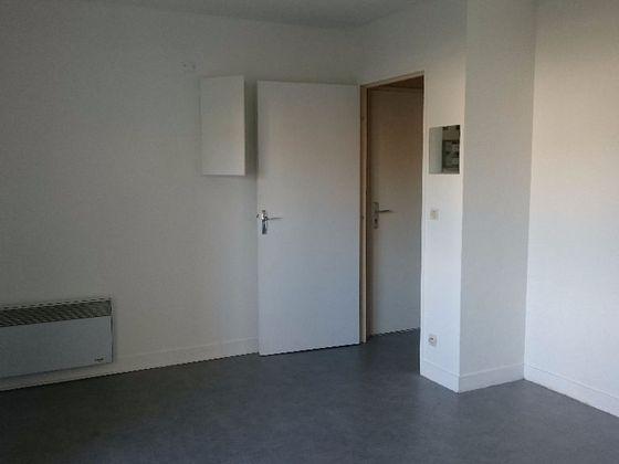 Location studio 23,52 m2