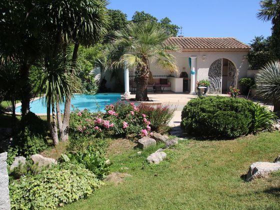 Vente villa 7 pièces 227 m2