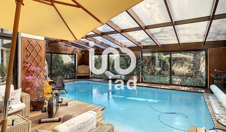 Maison avec piscine et terrasse Santeny