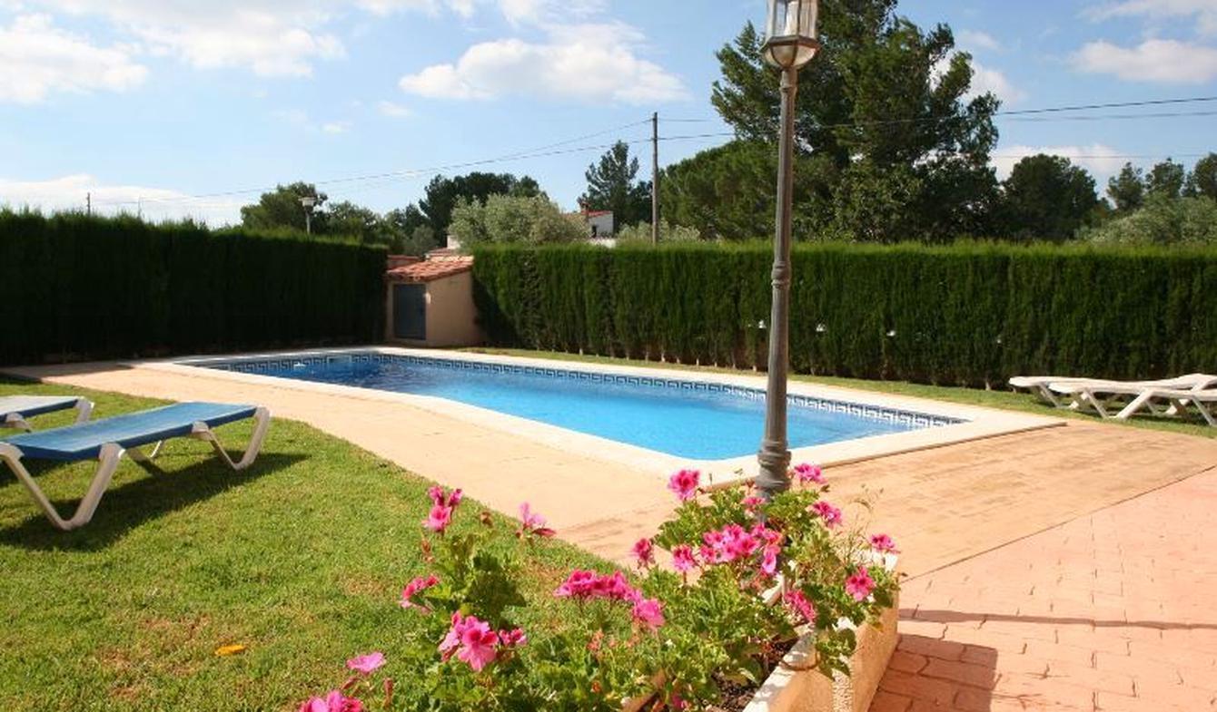 Villa avec piscine en bord de mer les Tres Cales