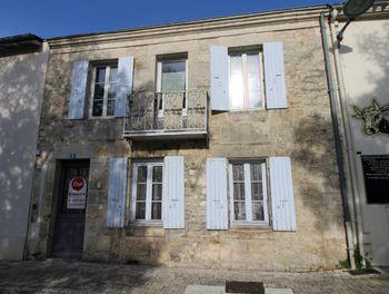 maison à Corme-Royal (17)