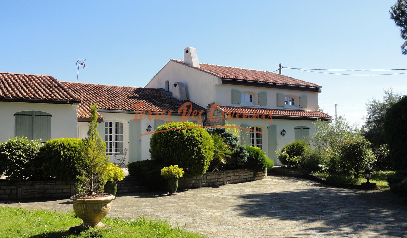 Villa avec piscine Bagard