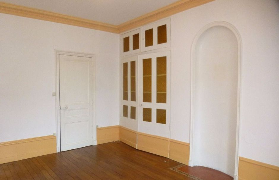 Location  appartement 4 pièces 95 m² à Chalon-sur-saone (71100), 651 €