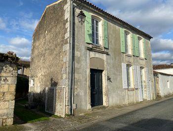 maison à Meursac (17)