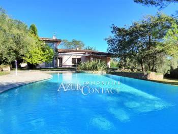 Villa 4 pièces 203 m2