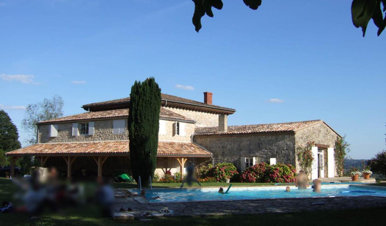 Maison avec piscine et terrasse Montcaret