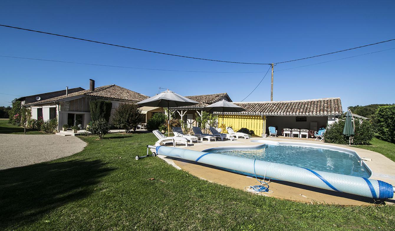 Propriété avec piscine et jardin Bourgougnague