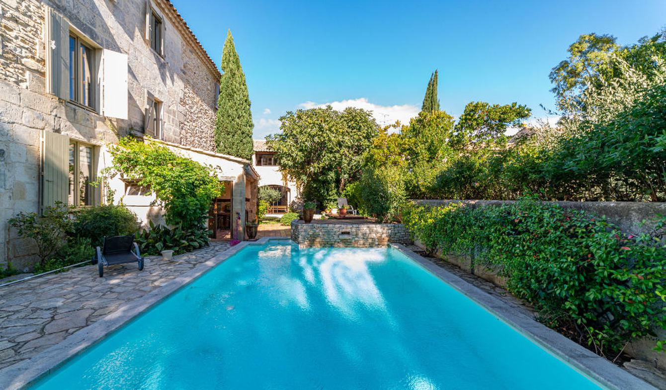 House with pool Nimes