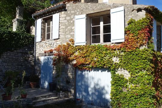 Maison avec jardin et terrasse