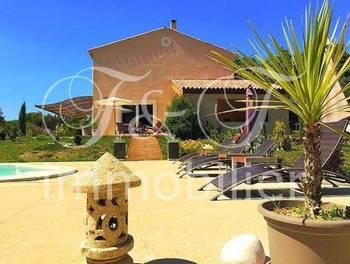 Villa 208 m2