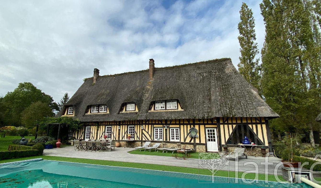 Property with pool Lieurey