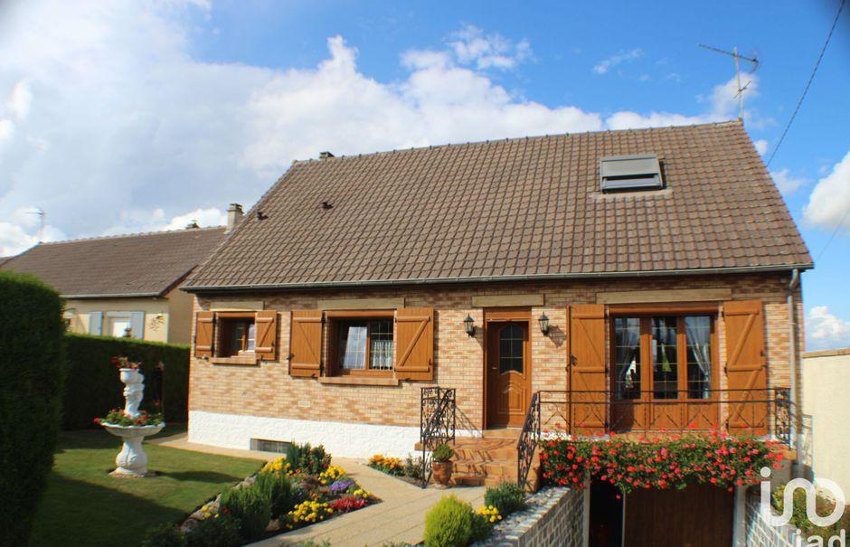 Vente maison 5 pièces 113 m² à Nesle (80190), 183 000 €