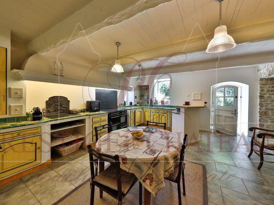 Vente maison 11 pièces 387 m2