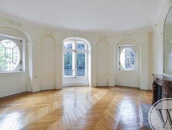 Appartement 6 pièces 232 m2