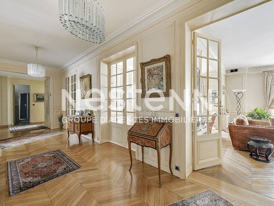 Vente appartement 7 pièces 242,09 m2