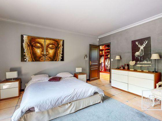 Vente maison 8 pièces 351 m2