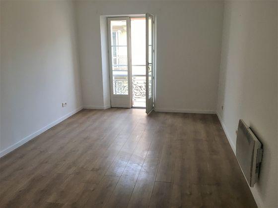 Location studio meublé 18,5 m2