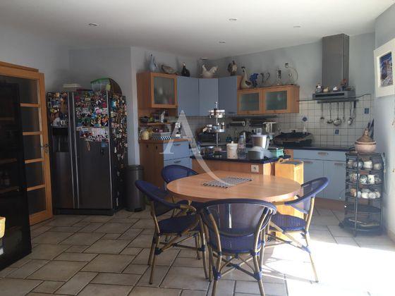 Vente maison 6 pièces 221 m2