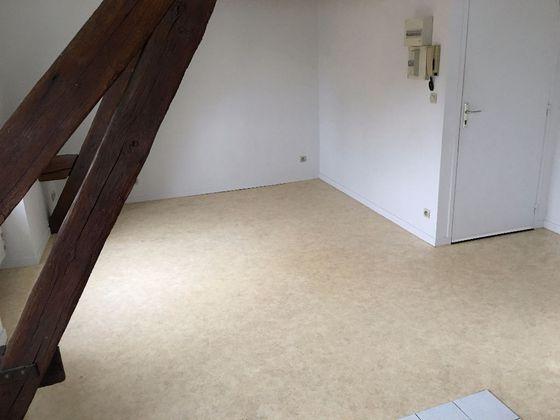 Location studio 21,92 m2