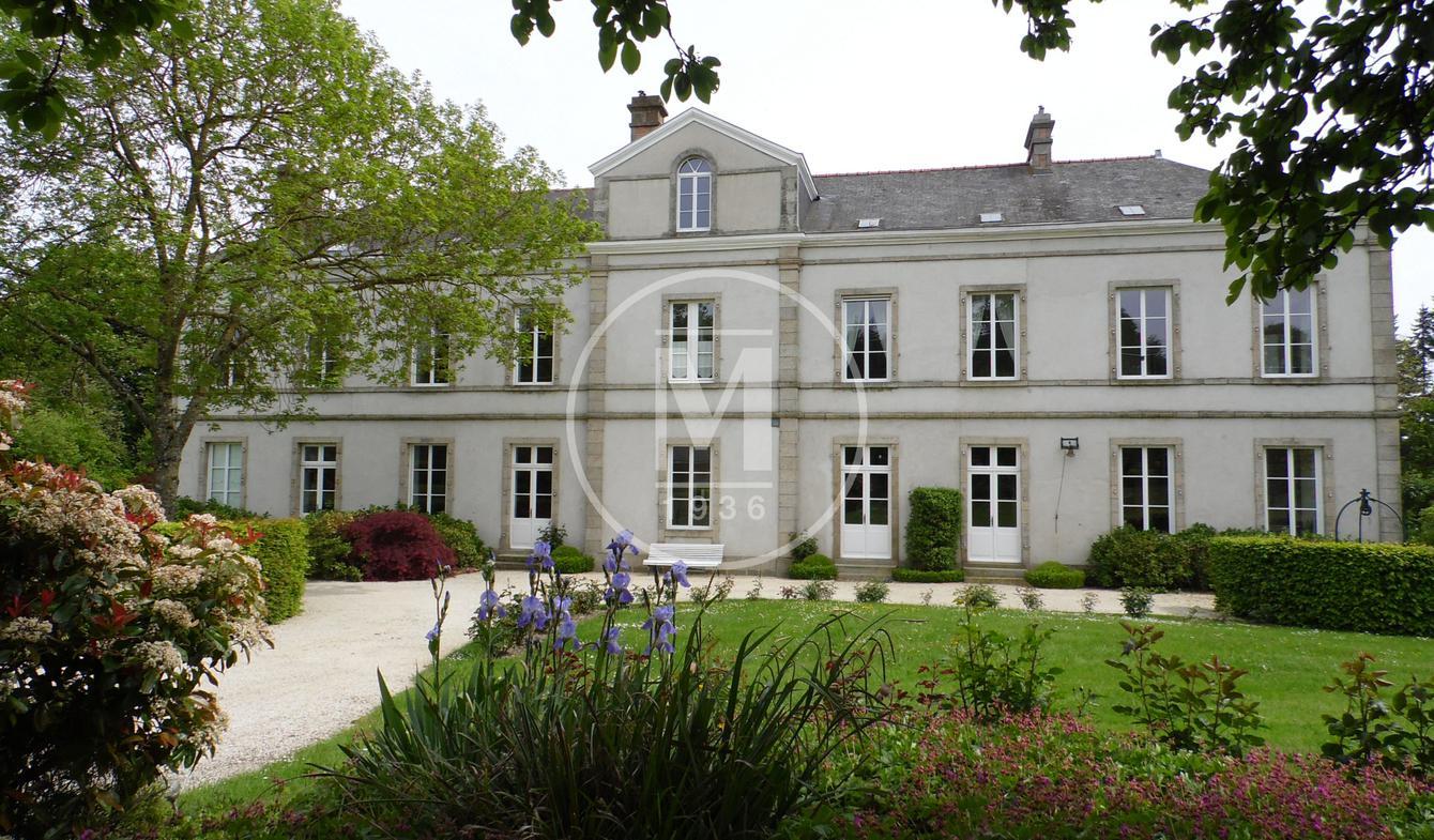 Château Lassay-les-Châteaux