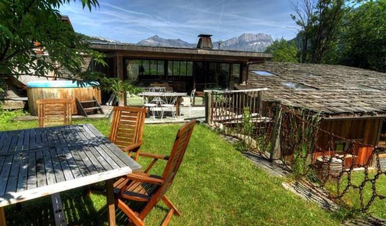 Chalet avec vue panoramique et terrasse Les Houches