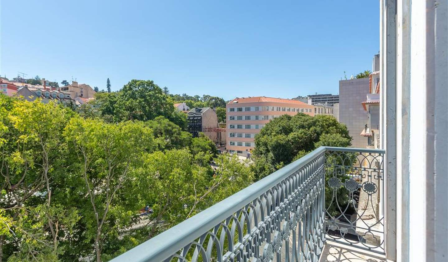Apartment with terrace and pool Lisbon