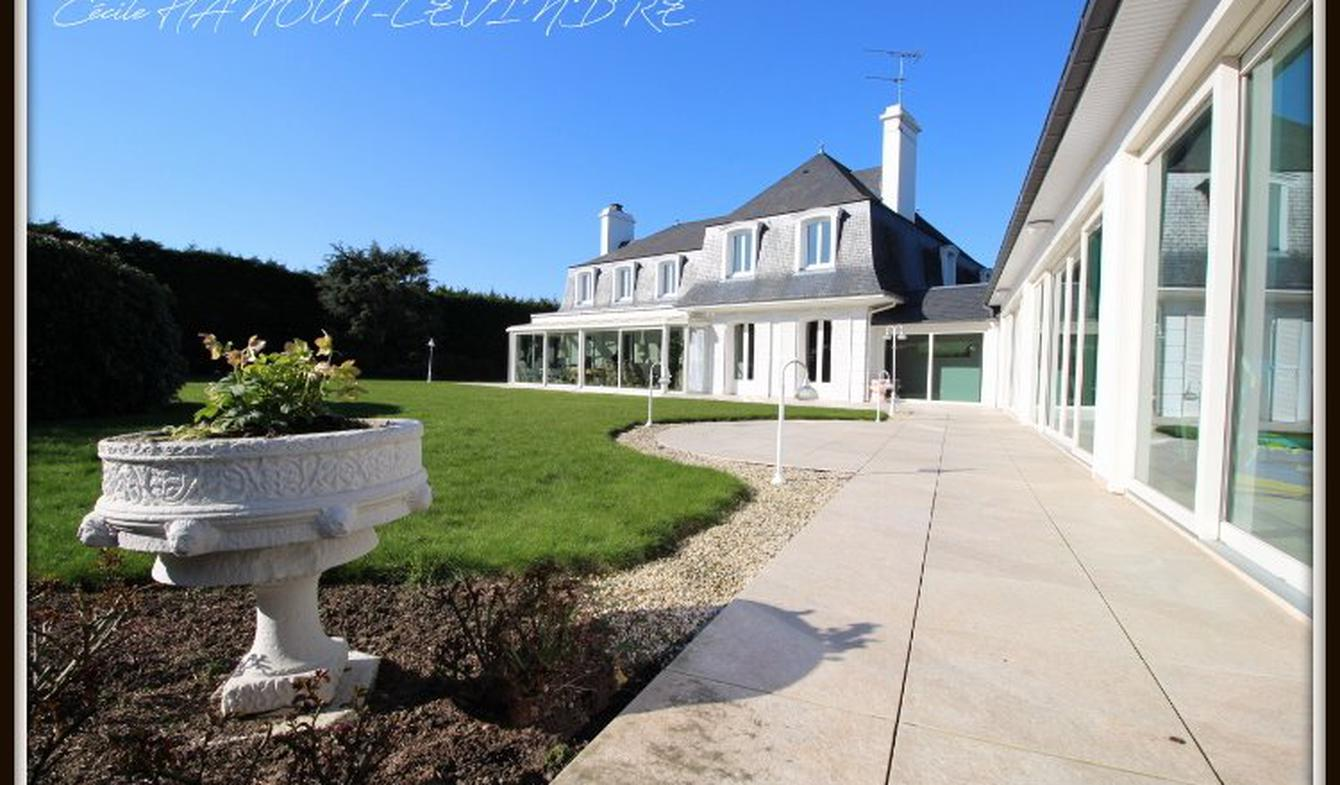 House with pool and terrace Dol-de-Bretagne