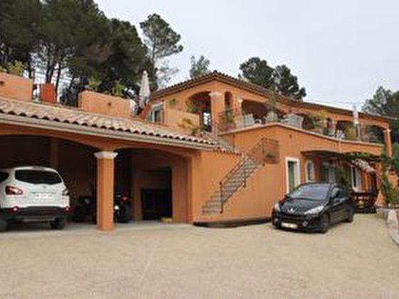 Vente maison 5 pièces 241 m2