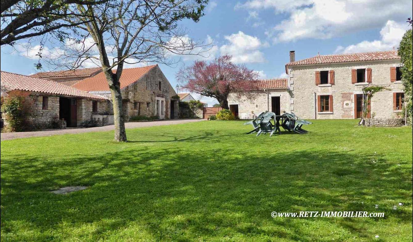 Maison avec terrasse Sainte-Hermine