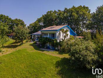 maison à Urcuit (64)